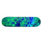 Monopatín floral de la experiencia del verde azul