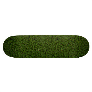 Monopatín fresco de la hierba verde
