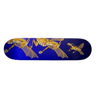 Monopatín grande del dragón del oro tablas de skate