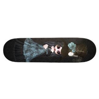 Monopatín lindo del negro del chica del gótico de patin personalizado