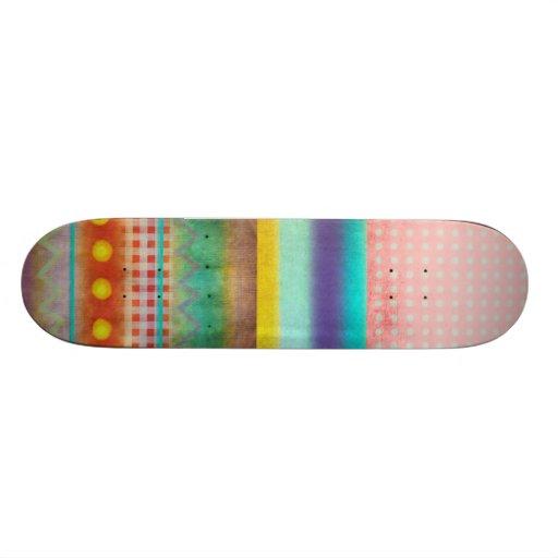 Monopatín multicolor del tablero del patín de la r