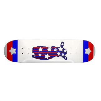 monopatín patriótico de la vaca skate board