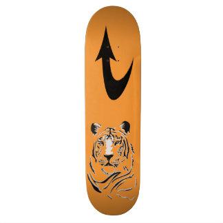 Monopatín principal del tigre patines
