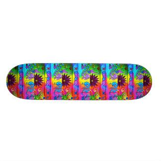 monopatín psicodélico de los colores del hippie de patinetas personalizadas