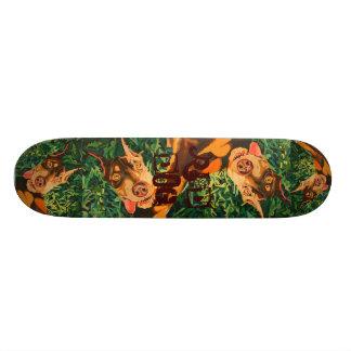 Monopatín rojo del perro skate boards