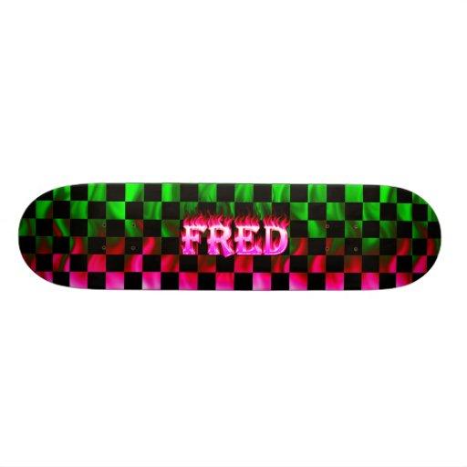 Monopatín rosado de Skatersollie del fuego de Fred