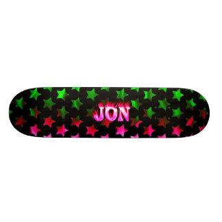 Monopatín rosado de Skatersollie del fuego de Jon