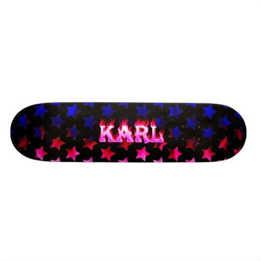 Monopatín rosado de Skatersollie del fuego de Karl