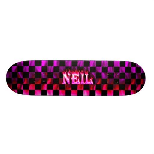 Monopatín rosado de Skatersollie del fuego de Neil