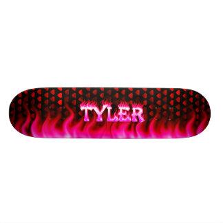 Monopatín rosado de Skatersollie del fuego de Tyle
