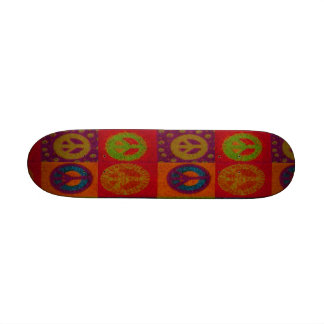 Monopatín salvaje del ~ de los signos de la paz re skateboards