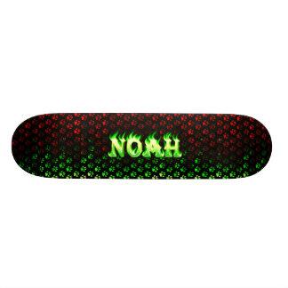 Monopatín verde de la llama de Noah