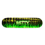 Monopatín verde de Skatersollie del fuego de Betty