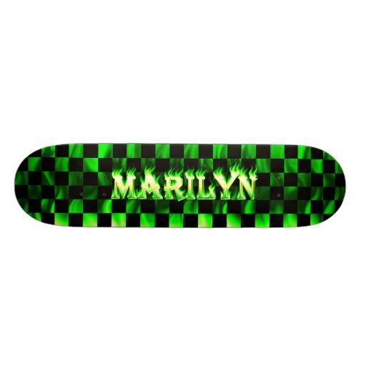 Monopatín verde de Skatersollie del fuego de Maril