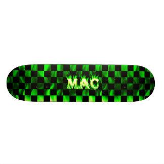 Monopatín verde de Skatersollie del fuego del mac