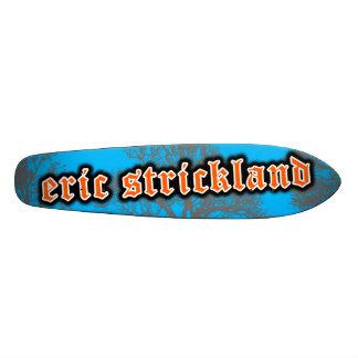 Monopatín viejo de Eric Strickland Skool
