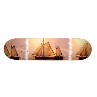 Monopatín viejo de los veleros monopatines personalizados