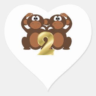 Monos 2 de los animales y de los números del libro pegatina en forma de corazón