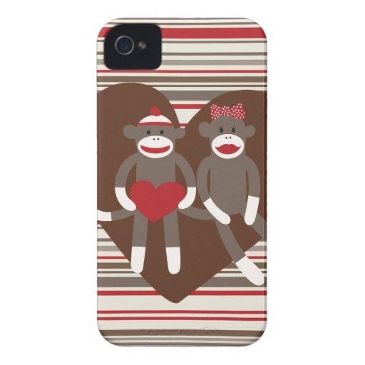 Monos del calcetín en regalos del corazón del el d iPhone 4 carcasas