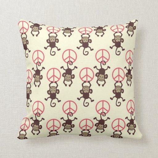 Monos del signo de la paz cojin