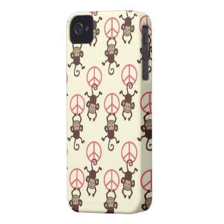 Monos del signo de la paz iPhone 4 protector