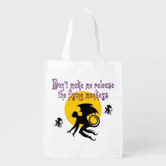 Monos del vuelo de Halloween Bolsa Para La Compra