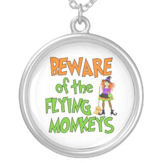 Monos divertidos del vuelo de Halloween Joyeria