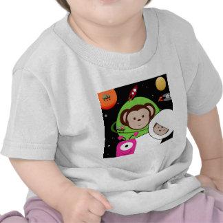 Monos en planeta de los extranjeros de espacio camiseta