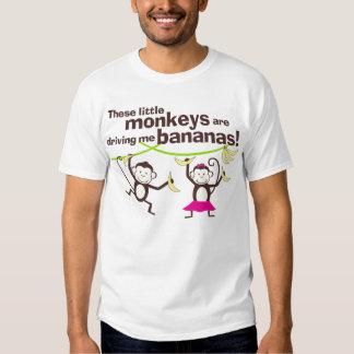 Monos que me conducen plátanos, camiseta para el playeras