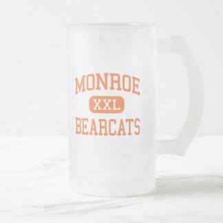 Monroe - binturong - alta - Monroe Washington Taza