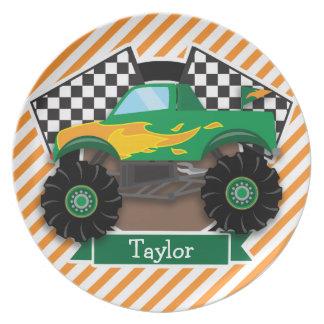Monster truck verde, bandera a cuadros; Raya Plato De Cena