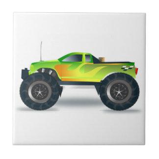 Monster truck verde con las llamas pintadas en azulejo cuadrado pequeño
