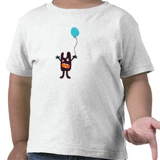 Monstruo asustadizo de la diversión con la camiseta