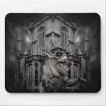 Monstruo asustadizo del demonio del horror de Hall Alfombrillas De Ratón