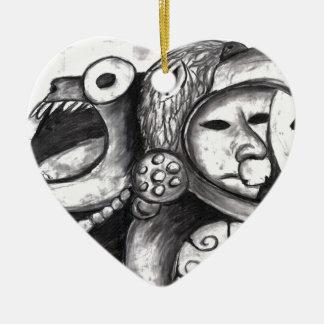 Monstruo azteca adorno de cerámica en forma de corazón