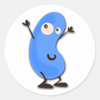 Monstruo azul lindo de la haba etiquetas redondas