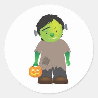 monstruo de Halloween del frankenstein del niño Pegatina Redonda