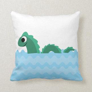 Monstruo de mar lindo cojín