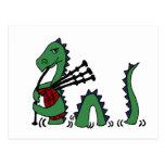 Monstruo divertido de Loch Ness que toca las gaita Tarjeta Postal