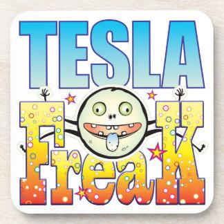 Monstruo extraño de Tesla Posavasos De Bebidas