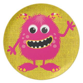Monstruo femenino rosado retro plato de cena
