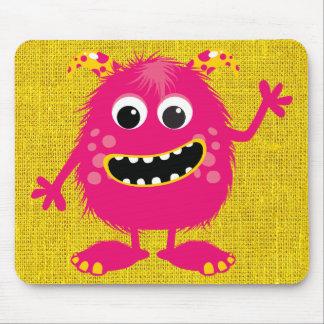 Monstruo femenino rosado retro tapete de raton