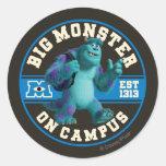 Monstruo grande en campus pegatina redonda