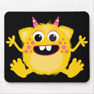 Monstruo lindo retro amarillo alfombrilla de raton