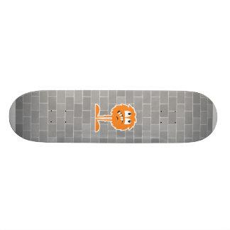 monstruo peludo anaranjado divertido tablas de patinar