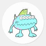 monstruo punky azul del mohawk muchos ojos pegatina redonda