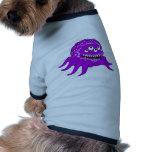 Monstruo púrpura con cuatro ojos y tentáculos camiseta de perro