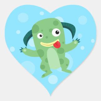Monstruo verde tonto del dibujo animado calcomanías corazones personalizadas