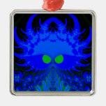 Monstruos en el ornamento oscuro del fractal ornamento para reyes magos