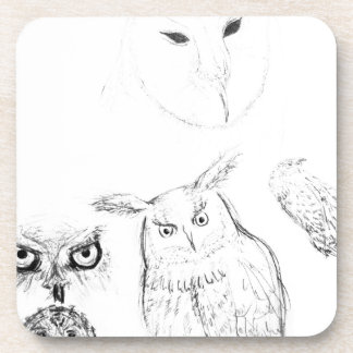 Montaje blanco y negro del dibujo del búho posavasos